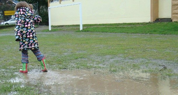 puddle jumping with toddlers