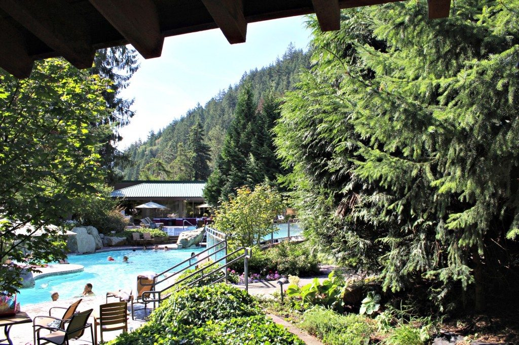 weekend getaway Harrison Hot Springs Resort, outdoor pool