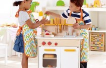 Holiday Shopping: Beyond Pink and Blue to Toys for Everyone
