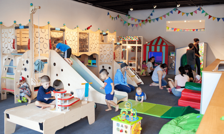 Kid friendly vancouver five indoor playgrounds for Best indoor playground for birthday party