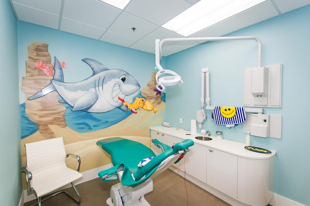 How to prepare your kids for the dentist vancouver mom for Dental clinic interior design concept