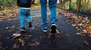 autumn-family-walk